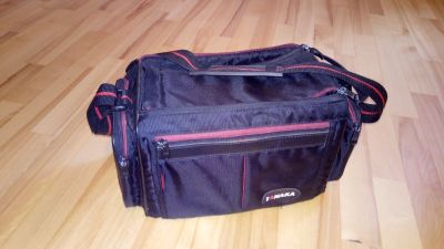 Camera Carrying case, Interior Compartiments ,Ziperred Pockets, Adjustable staps.