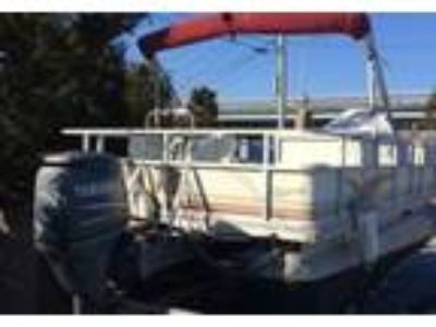 2001 Crest 22-Family-Fisherman Power Boat in Warminster, PA