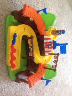 Mike the Knight Klip Klop arena playset Little People Fisher Price
