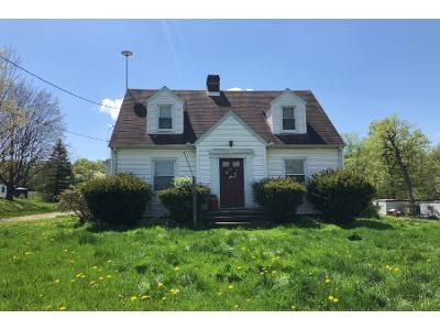 2 Bed 1 Bath Preforeclosure Property in Canton, OH 44730 - Lincoln St E