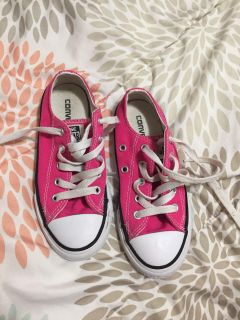 Size 12 girl pink converse
