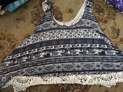 Navy blue and white tank crop top with knitted back