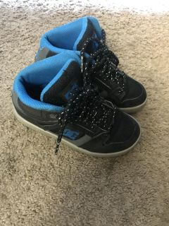 Boys DC high top shows size 1