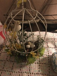 Cute bird cage. Set or hang on the wall, back is flat POMS 16