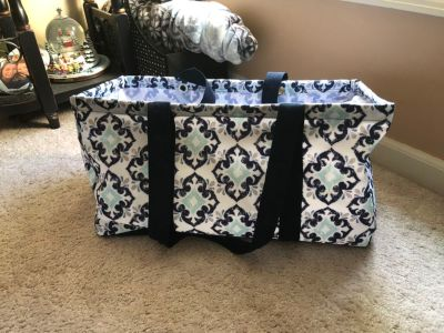 Thirty-one large utility tote