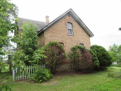 2 Bed 1.5 Bath Foreclosure Property in Algoma, WI 54201 - State Highway 42