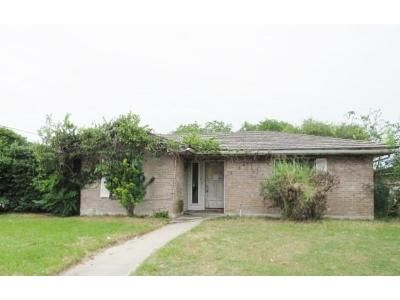 3 Bed 2 Bath Foreclosure Property in Corpus Christi, TX 78415 - Lariat Ln