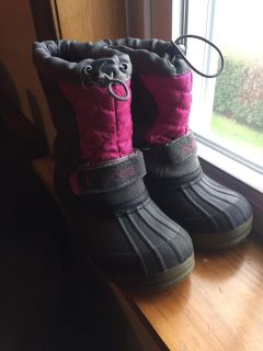 Girl snow boots size 13
