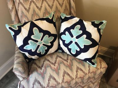 Set of two navy and turquoise pillows. Smaller sized $4