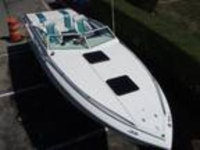 1987 Four Winns 261 Liberator