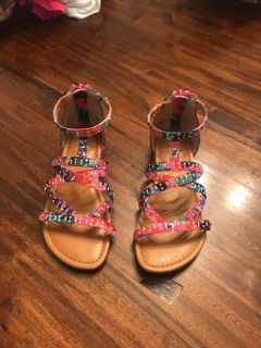 SO Authentic American Heritage girls sandals. Barely worn size 1.