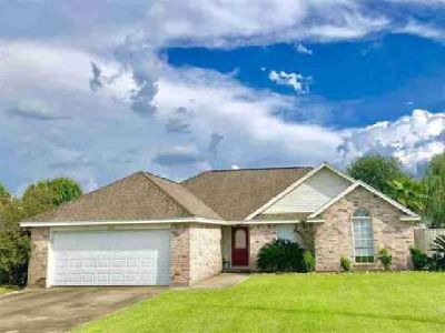6030 Crockett Lumberton Three BR, Well maintained home in a