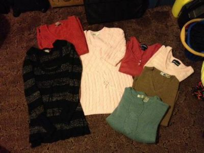 Ladies sweaters M-L