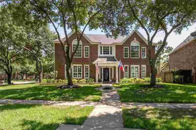 4413 Pebble Beach Drive LEAGUE CITY Five BR, Welcome home to