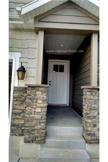 Stunning 3 level Lehi Townhome with upgraded everything. Washer/Dryer Hookups!