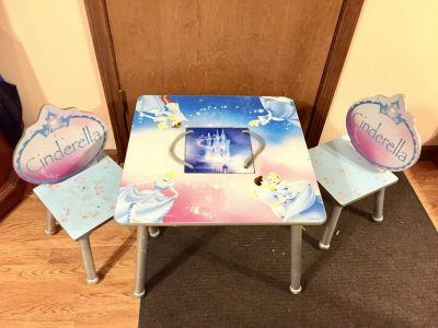 Cinderella Table w/2 Chairs