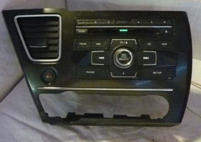 Sell 13 14 Honda Civic Radio Cd MP3 Player & Theft Code 39100-TT1-A414 C57979 motorcycle in Williamson, Georgia, United States