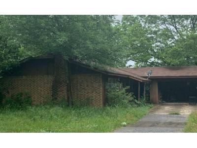 3 Bed 1 Bath Foreclosure Property in Hot Springs National Park, AR 71913 - Amity Rd