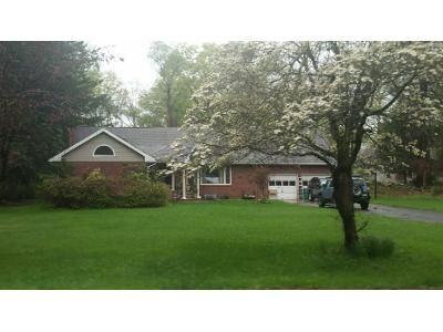 4 Bed 3 Bath Preforeclosure Property in West Nyack, NY 10994 - Strawtown Rd