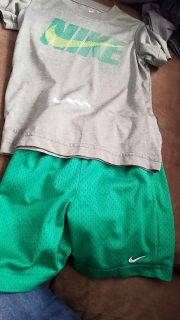 Nike size 4 Dri-Fit outfit boys