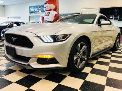 2016 Ford Mustang 2dr Fastback EcoBoost Premium (Ingot Silver Metallic)
