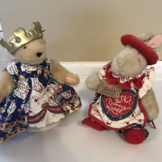 Muffy and Hoppy Queen and Knave of Hearts