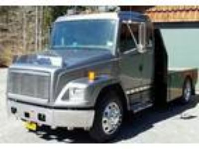 2000 Freightliner FL70 Truck in Galway, NY