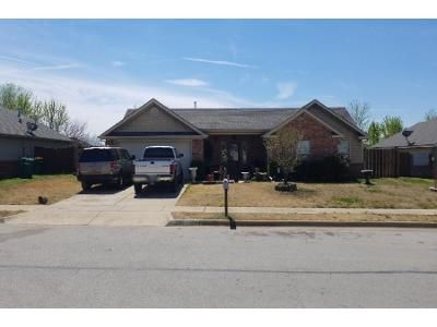 3 Bed 2 Bath Preforeclosure Property in Springdale, AR 72764 - Morgan Haley Ln