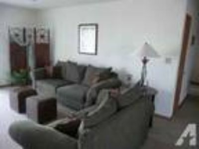 2 BR Apartment (Loves Park, IL )