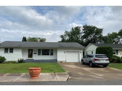 3 Bed 2.0 Bath Preforeclosure Property in Erie, PA 16506 - W 33rd St