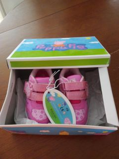 NEW IN BOX SIZE 6 PEPPA PIG LIGHT-UP SHOES