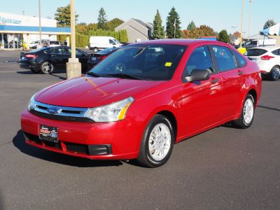 2010 Ford Focus SE (Red)