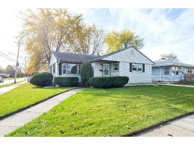 3 Bed 1.5 Bath Foreclosure Property in Racine, WI 53404 - Conrad Dr