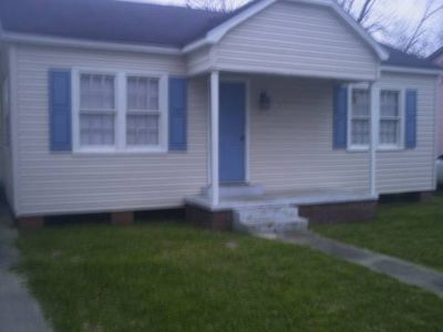 $800 Large 2 BR 1 BA house for rent, Available now (307 Thelma Drive)