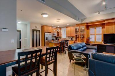 $5000 3 townhouse in Denver Central