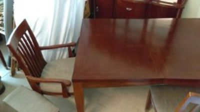 Dinning Room Table 8 piece