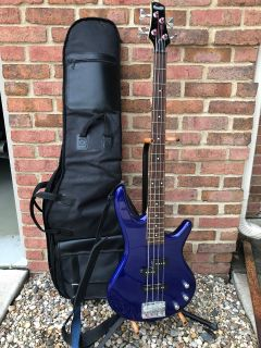 Ibanez guitar w stand and soft padded case