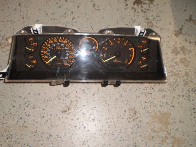 TURBO 87-89 Mitsubishi Starion Chrysler Conquest Instrument Cluster, MB521763