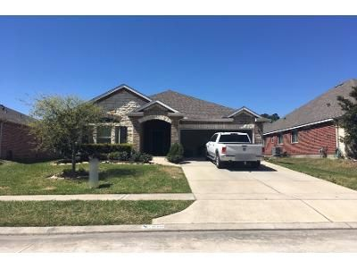 3 Bed 2 Bath Preforeclosure Property in Crosby, TX 77532 - River Wood Ct