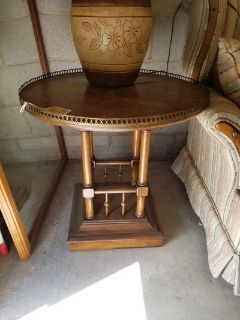 Oak Gallery Based End Table with Brass Accents #618-1765