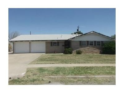 3 Bed 2 Bath Foreclosure Property in Kermit, TX 79745 - S Avenue H