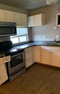 Mobile home for rent in Angleton 2 bedroom 1 bath.