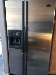 WHIRLPOOL STAINLESS STEEL SIDE-BY-SIDE REFRIGERATOR Model GS6SHAXKS01 with In-Door Ice Maker and Water