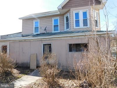 3 Bed 1 Bath Foreclosure Property in Frostburg, MD 21532 - Broadway St