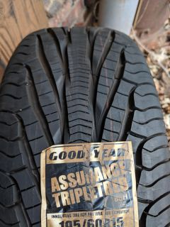 Goodyear Assurance Tripletred tire 195 60 R15