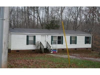 3 Bed 2 Bath Foreclosure Property in Cleveland, NC 27013 - Houpe Rd
