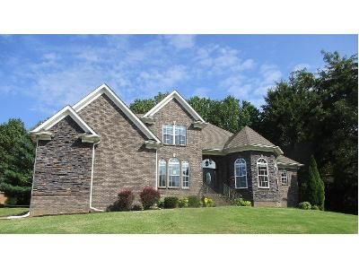 5 Bed 4.5 Bath Foreclosure Property in Clarksville, TN 37043 - Burlington Ct