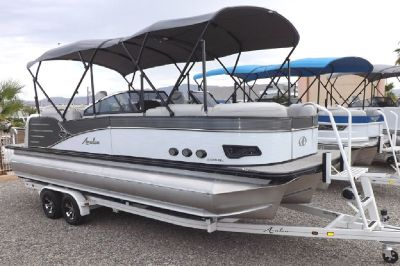 2018 Avalon Catalina Platinum Quad Lounger WS 25' - Tritoon