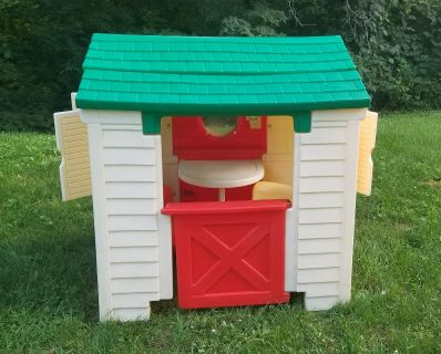 Playhouse with built in table and 2 chairs. WANT GONE TODAY! FIRST COME