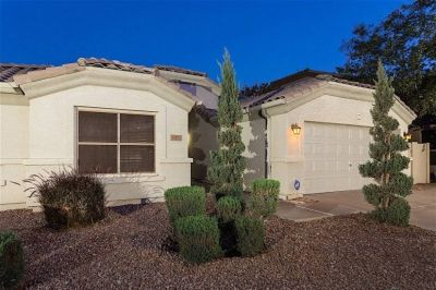 $1800 3 single-family home in Gilbert Area